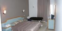 Pokoj v hotelu Karawan